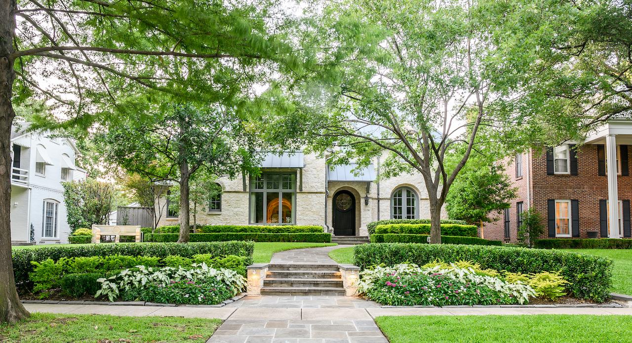 Hanover Landscape - Lawns of Dallas
