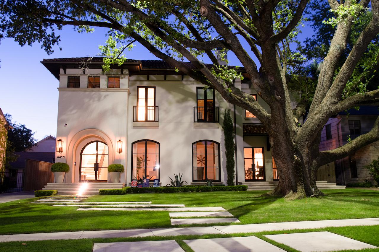 Lorraine Residence - Lawns of Dallas